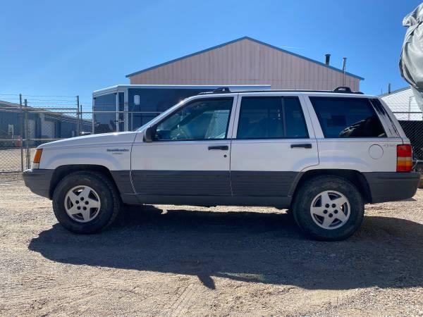 Photo 1994 Jeep Grand Cherokee Laredo  Mechanics Special - $1700 (Los Alamos)
