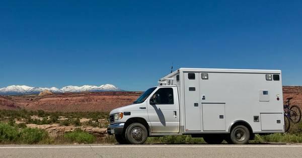 Photo 2003 E350 Ambulance RV Conversion - $32500 (Los Alamos)