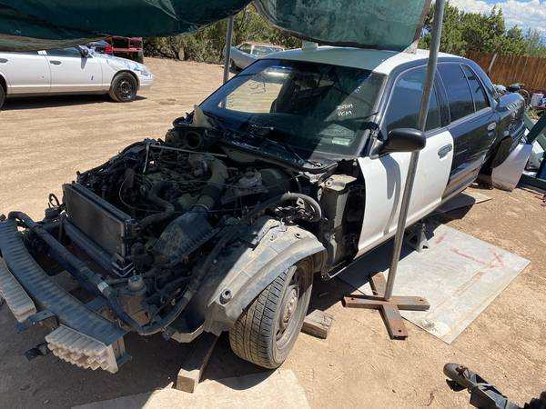 Photo 2008 2009 2010 2011 FORD CROWN VICTORIA POLICE P71 PARTS - $123 (White Rock)