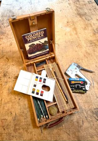 Photo ARTIST TABLE EASEL PAINT BOX POCHADE - $75 (santa fe)