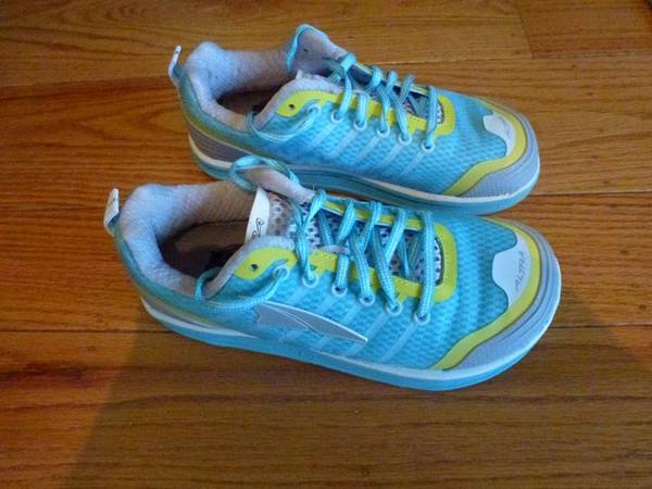 Photo Altra Intuition running shoes Women39s 7 - $20 (Santa Fe)