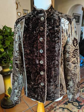 Photo CHICO39s Velvet Jacket Size 0 XS S Abstract Floral Designs - $35 (Santa Fe)