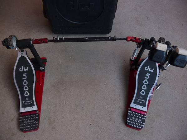 Photo DW 5000 Double Bass Drum Pedal - $185 (Santa Fe)
