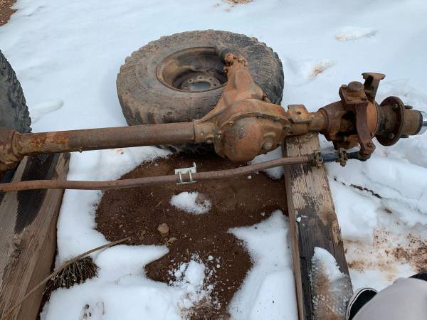 Photo Dana 60 Dana 44 axles - $1 (Santa Fe)