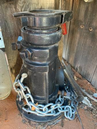 Photo Gooseneck fifth wheel adapter - $400