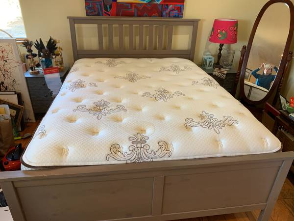Photo IKEA queen size bed with mattress - $300 (Santa Fe)