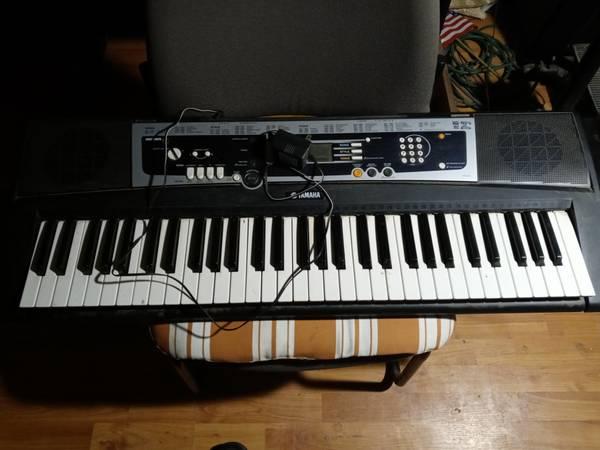 Photo Key board yamaha - $60 (Santa Cruz or santa fe)