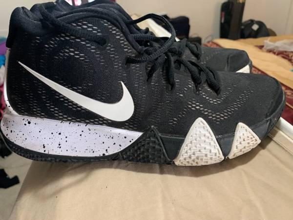 Photo Nike Kyrie 4 Basketball Shoe - $40 (Santa Fe)