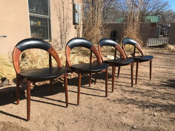 Photo Set of four mid century modern dining chairs - $800 (south valley Albuquerque)