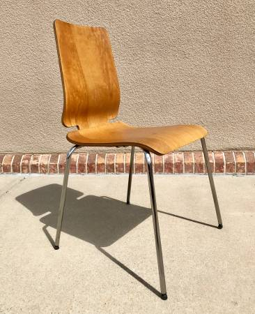 Photo Vintage IKEA Modern Wood and Chrome Chair - $200 (Santa fe)