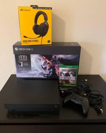 Photo Xbox One X, Call of Duty Game, Charge Kit  Corsair Headset - OBO - $600