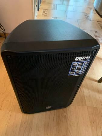 Photo Yamaha DBR 15 Speaker - $500 (Santa Fe)