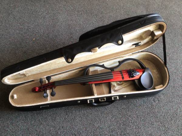 Photo Yamaha Silent Violin SV130 with Bow, Case and Accessories - $750 (Santa Fe)