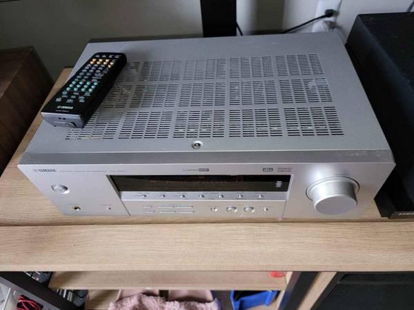 Photo Yamaha surround sound with set of 15 inch speakers - $250 (Santa Fe)