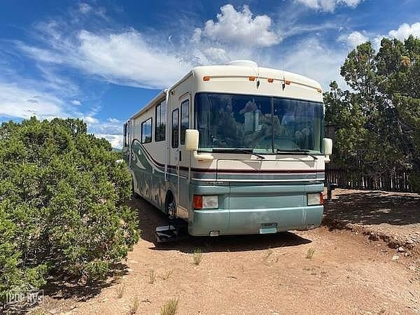 Photo 1996 Fleetwood Discovery 36A $ 25250  Make an Offer