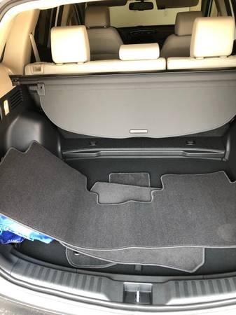 Photo new Honda CRV floor mats - $50 (Santa Fe)