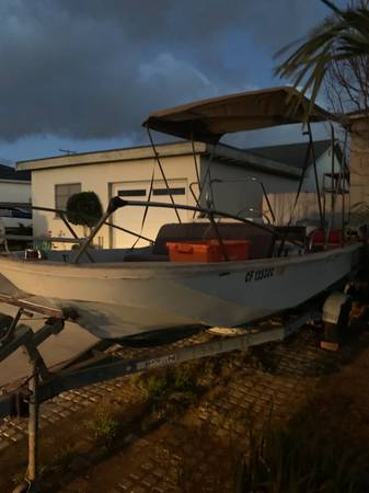 Photo 17 foot Montauk Boston Whaler PRICE DROP - $13,000 (Midtown Ventura)