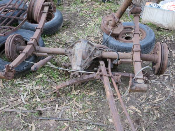 Photo 1948-52 Ford PU rear axle-complete - $125 (Santa Maria Ca)