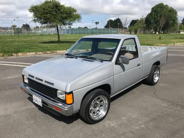 Photo 1987 Nissan hardbody d21 short bed $3k FIRM - $3000 (Lompoc)