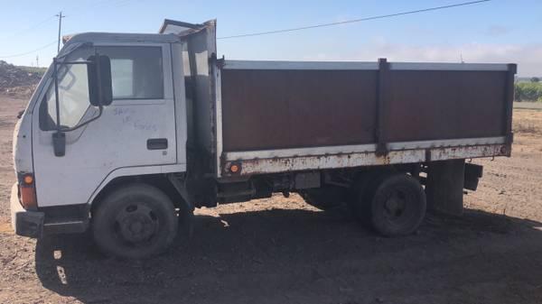 Photo 1991 Mitsubishi Fuso FE diesel - dump truck - $4,000 (Nipomo)