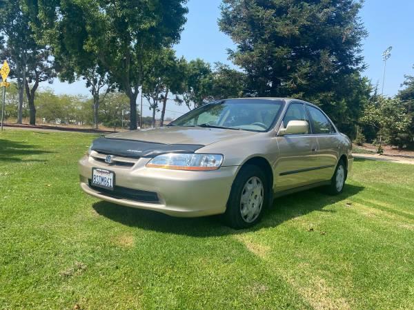 Photo 2000 Honda Accord 38k original miles - $7,000 (Santa maria)