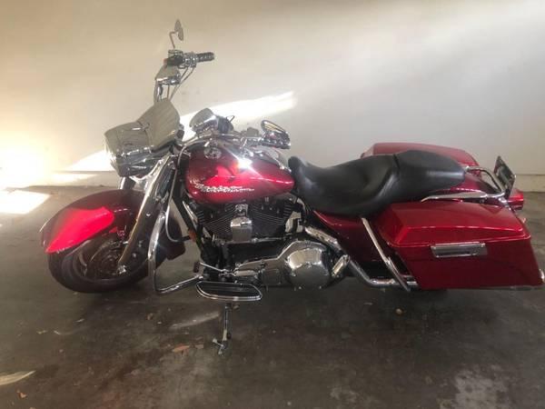 Photo 2005 Harley Davidson, FLHRSI Road King Custom. Miles on odo 19066. - $8,500 (Hueneme)