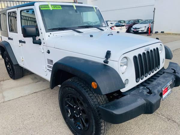 Photo 2015 Jeep Wrangler Unlimited-4wd,White,Custom Wheels,only 67k,SHARP - $23995