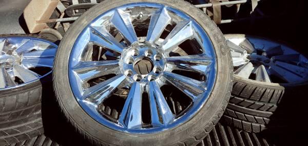 Photo Chrome 4 lug Wheels (Lompoc)