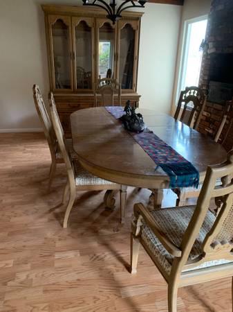 Photo Dining Room Furniture - $500 (Santa Maria)