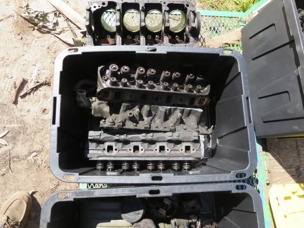 Photo Ford 302 HO - $400 (Santa Maria Ca)