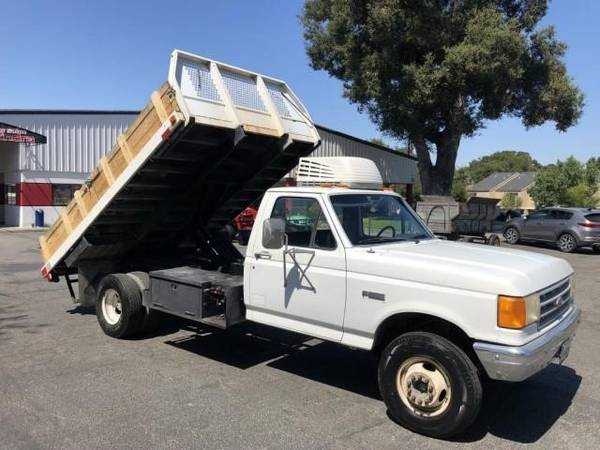 Photo Ford Super Duty Flatbed with Dump (Atascadero)
