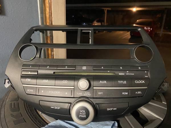 Photo Honda Accord Stock Stereo - $20 (Santa Maria)