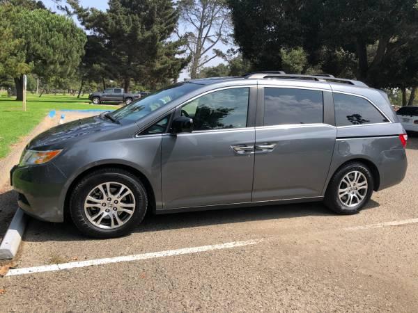 Photo Honda Odyssey EXL WDVD - $13,850 (Santa Maria)