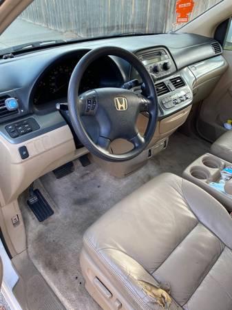 Photo Honda odyssey 2005 - $3800 (Santa Maria)