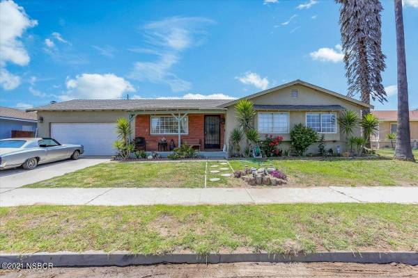Photo How would you rate this home Home in Santa Maria. 3 Beds, 2 Baths (Santa Maria)