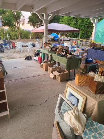 Photo Huge moving Estate sale, new things added daily Mon-Wed Jun 21st-23r (simi valley)