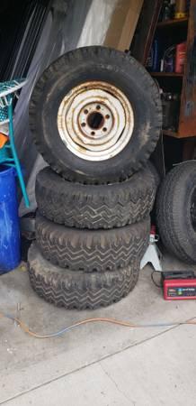 Photo Original chevy wheels 6 lugs from a 64 k10 - $150 (Santa Maria)
