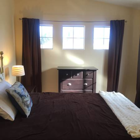 Photo Quiet furnished bedroom in secure gated South Santa Maria Community (Santa Maria)