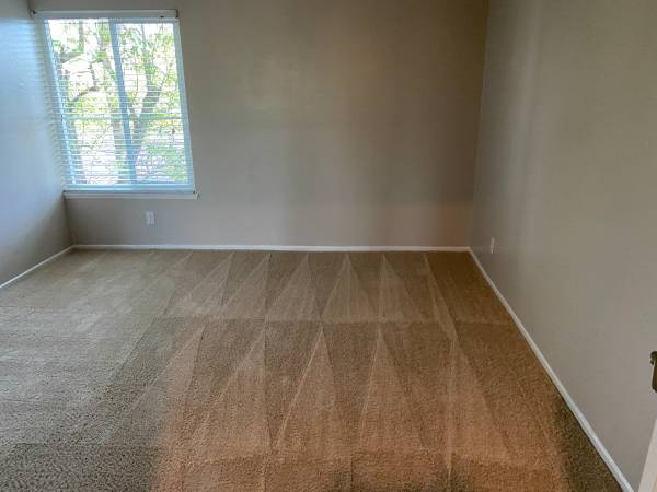 Photo Renting 1 Master bedroom in 2bhk apartment (Thousand Oaks)