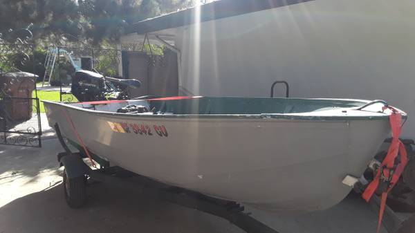 Photo Sears 1439 Aluminum Fishing Boat - $3,000 (Bakersfield)