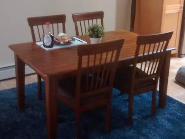 Photo Small dining room table - $175 (santa maria)