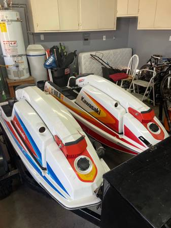 Photo Two Kawasaki jet skis and trailer - $4,400 (Santa Maria)