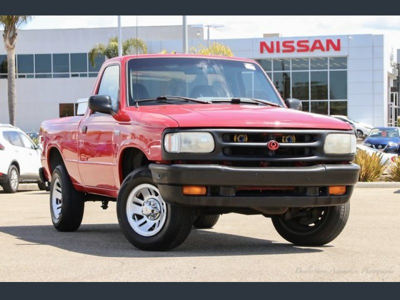 Photo Used 1994 MAZDA B-Series Pickup 2WD Regular Cab B2300 for sale