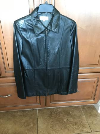 Photo Womens Leather Jacket - $30 (Orcutt)