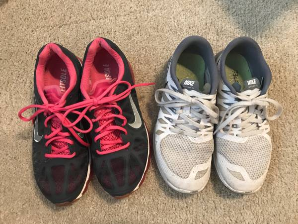 Photo Womens Nike Shoes - $15 (Buellton)