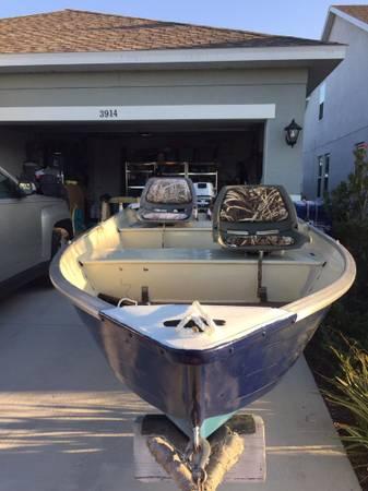 Photo 12 ft aluminum V haul - $2,450 (Bradenton)
