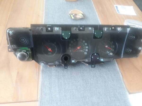Photo 1970 SS Chevelle Dash Cluster Like NOS MINT CONDITION - $475 (sarasota)