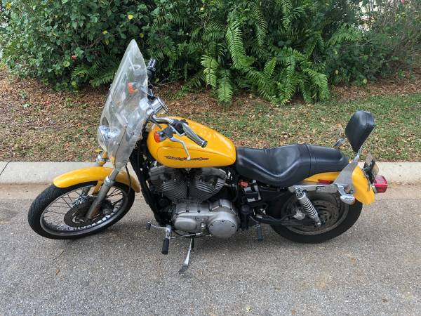 Photo 2005 Harley Davidson Sportster 883 Custom - Motorcycle - $3,500 (Sarasota, FL)