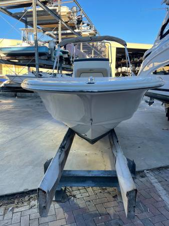 Photo 2017 Scout 195 Sportfish - $29,999 (Sarasota)