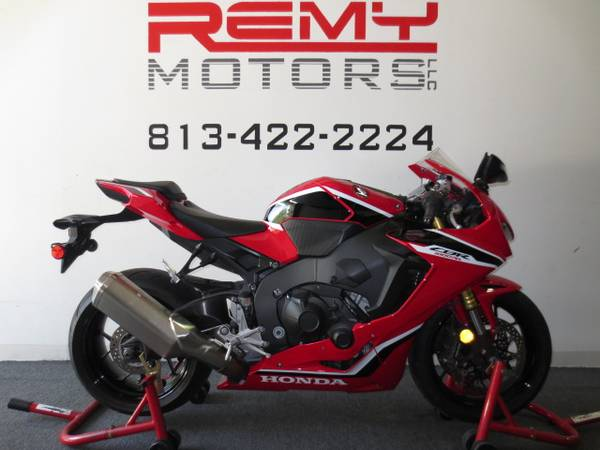Photo 2018 Honda CBR 1000RR Like New FINANCING Available - $11,999 (Riverview)